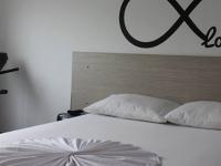 Motel Casa Blanca Pereira 2254