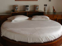 Motel Casa Blanca Pereira 2260