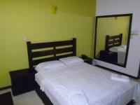 Motel El Jardín 2334