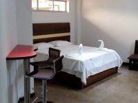 Motel El Jardín 2354